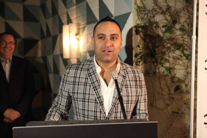 Comedian Russell Peters denied entrance to India for not being Indian enough